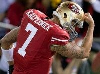 Colin-Kaepernick kissing bicep sized