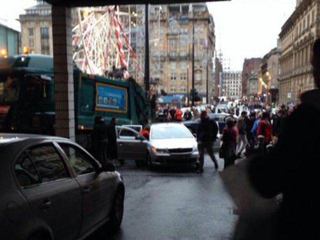 Glasgow-bin-lorry