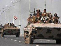 Yemeni Tanks Moving