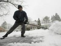 snow-shovel-AP