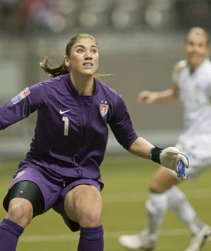Hope Solo asks for domestic violence charges to be dismissed