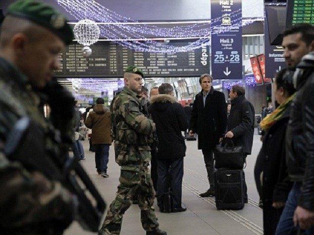 French-Army-Railway-AP