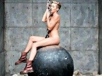 Wrecking-Ball-Video