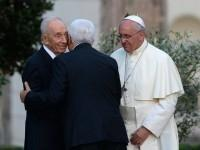 Pope-Francis-Abbas-Peres-afp
