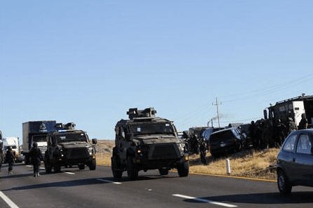 Mexican Police Convoy (Reuters)