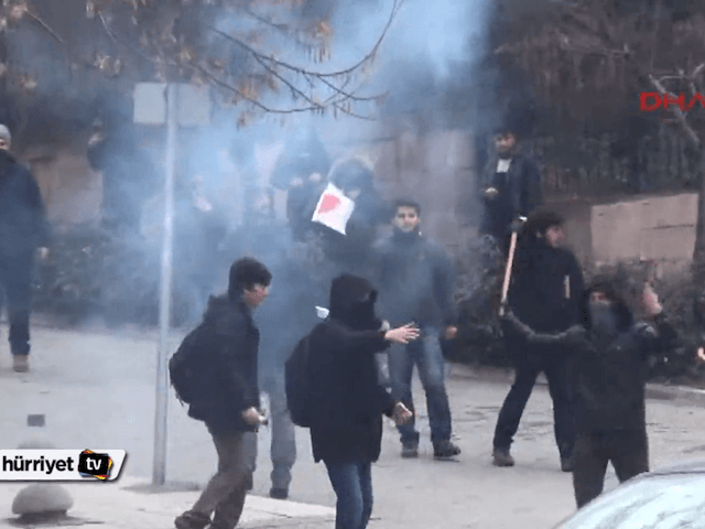 Islamists attack Ankara University students for attempting to hold rally in support of Charlie Hebdo victims