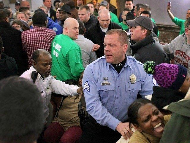 AP Photo/St. Louis Post-Dispatch, Robert Cohen