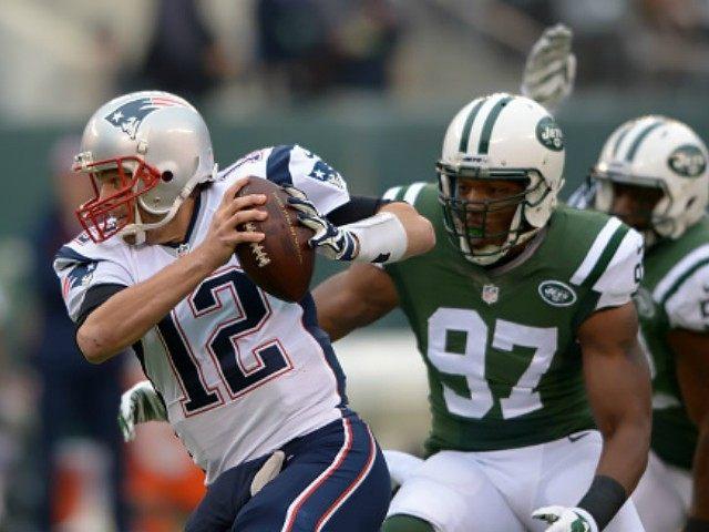 Calvin Pace Pressures Tom Brady