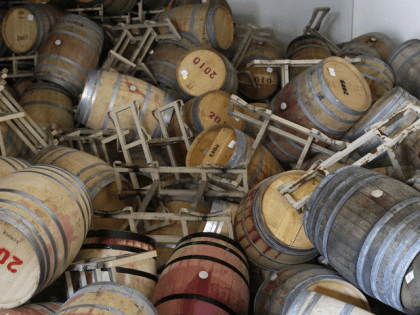 Wine Spill (Eric Risberg : Associated Press)