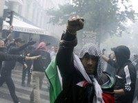 anti-israel-muslim-mob-paris-AFP