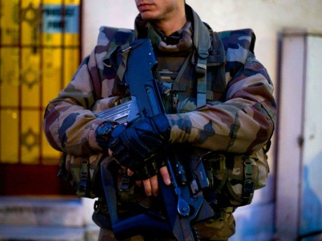 french-soldier-AFP