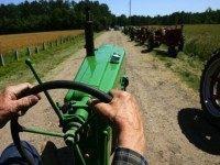 john-deere-tractor-AP