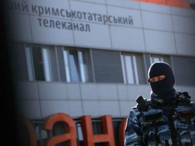 russia-raid-crimea-tartar-station-AFP
