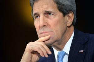 Kerry arrives in Pakistan, begins security talks
