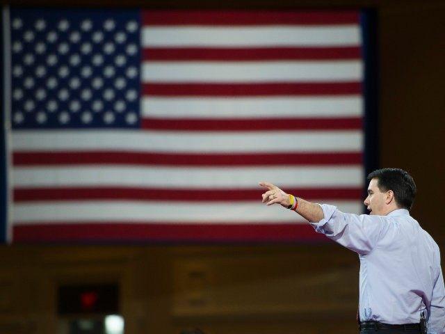 AP Photo/Cliff Owen