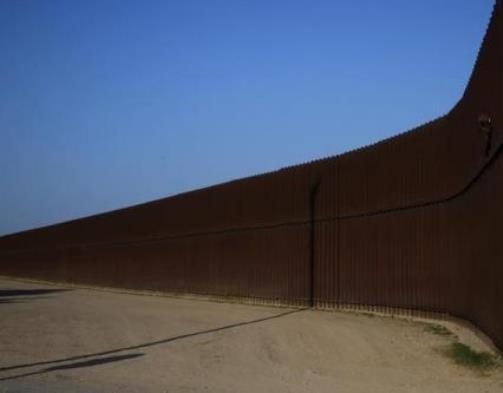 Border Fence - Reuters - Shannon Stapleton