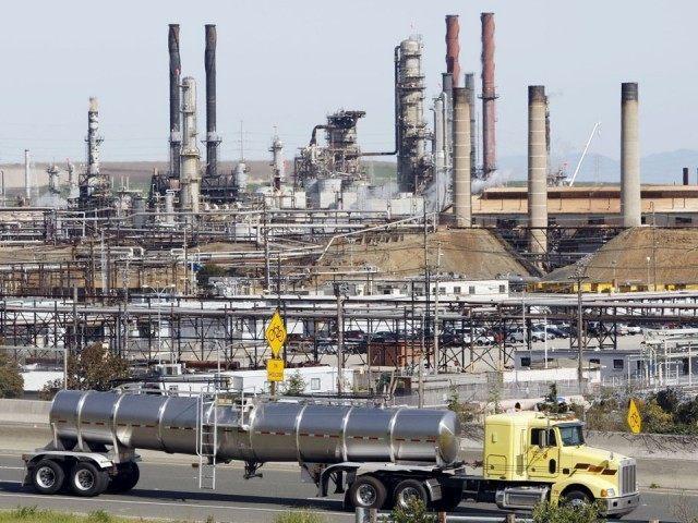 California Oil Refinery (Paul Sakuma : Associated Press)