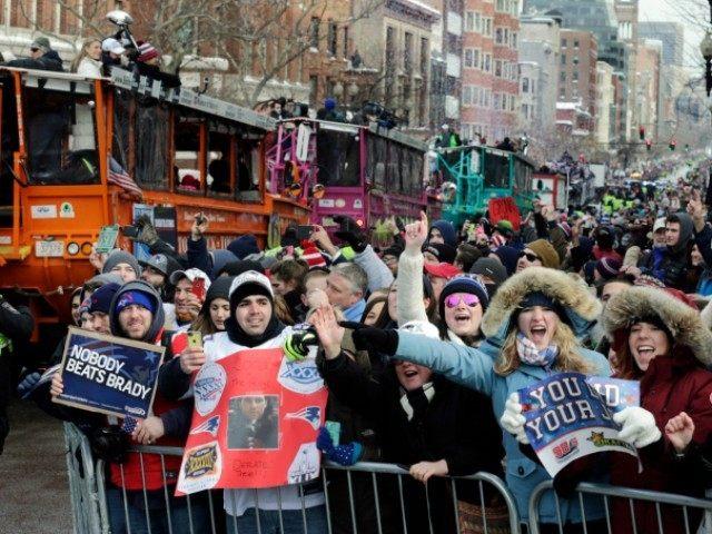 Patriots SB Parade Charles Krupa