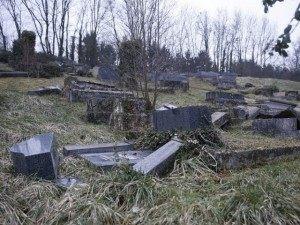Smashed Jewish Graves AFP
