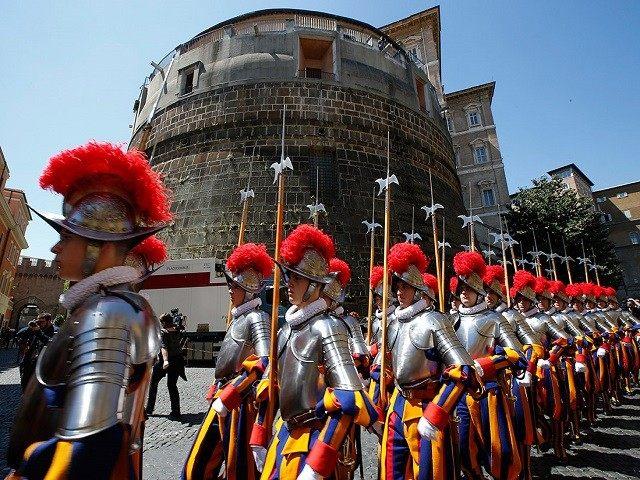 pope-swiss-guard