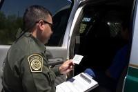 CBP_Border_Patrol_agent_reads_the_Miranda_rights