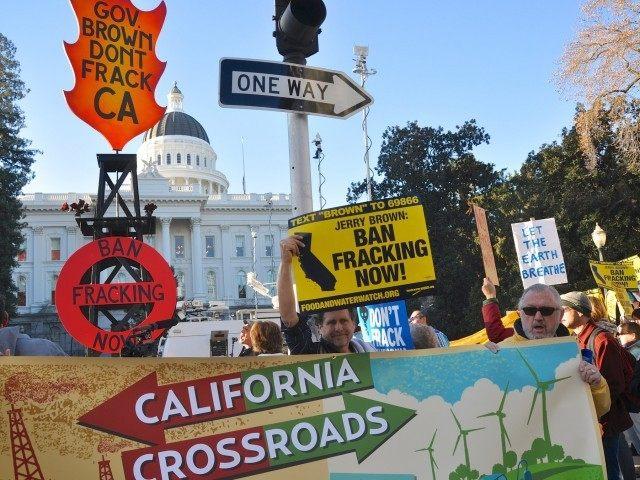 Fracking Protest 2014 (Brooke Anderson / Flickr)