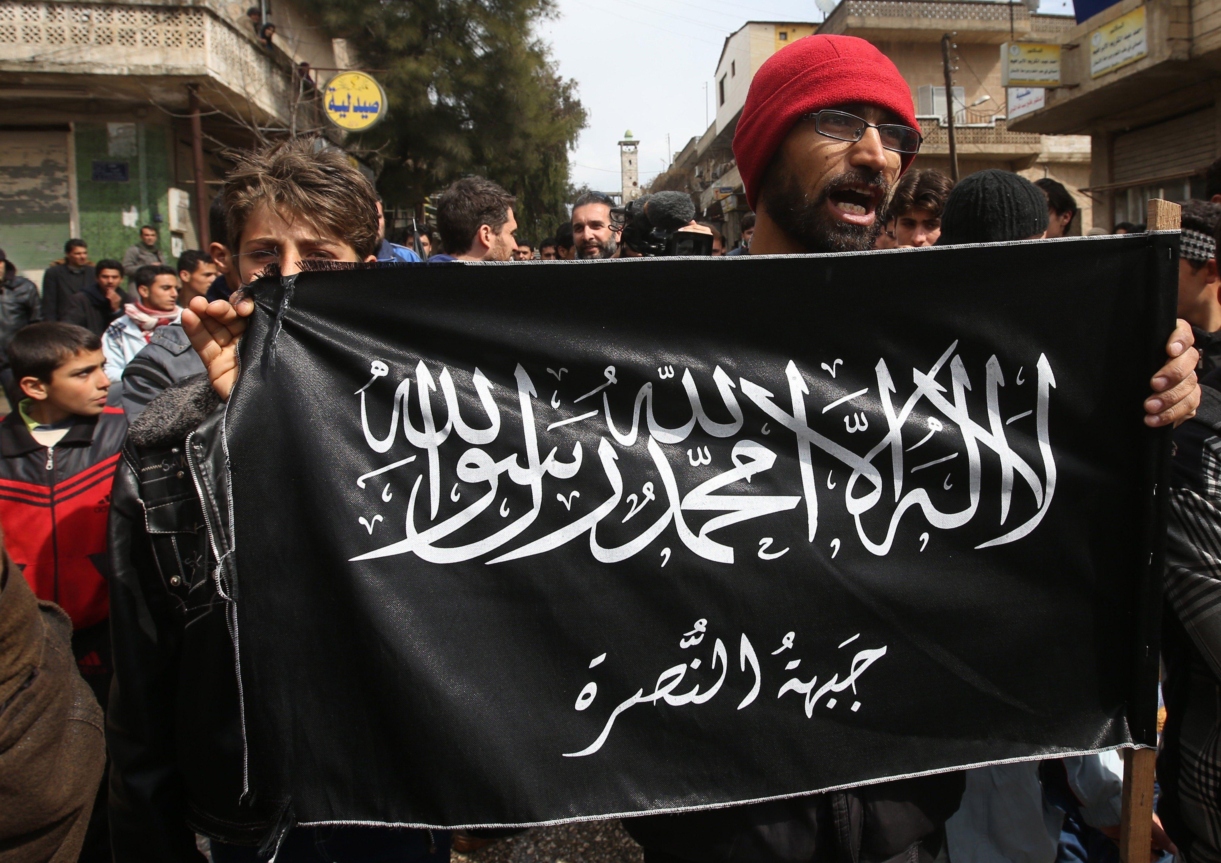одном помещений фото флаги аль каиды условий суровой эксплуатации