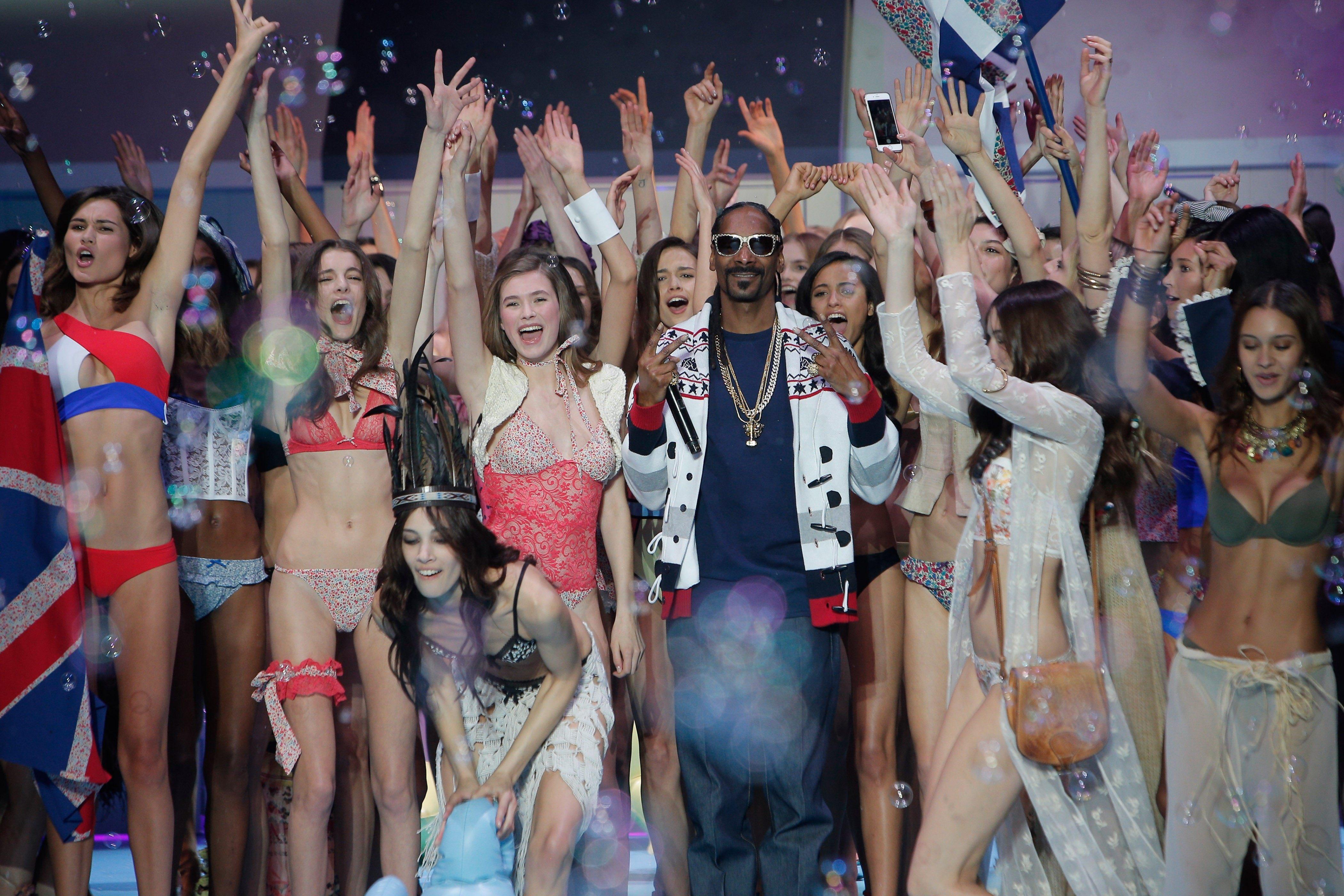 Смотреть онлайн порно вечеринка у снуп дога 24 фотография