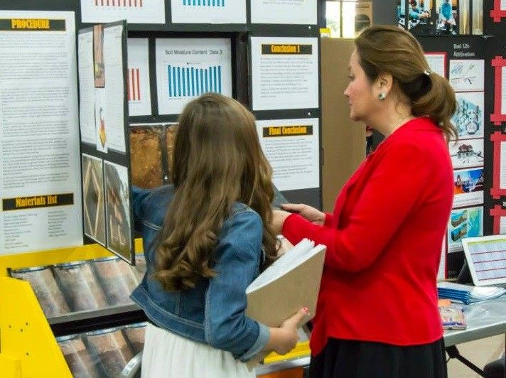 Texas First Lady Cecelia Abbott speaks with a young science student at the Texas Science and Engineering Fair. Photo: TSEF Facebook Page