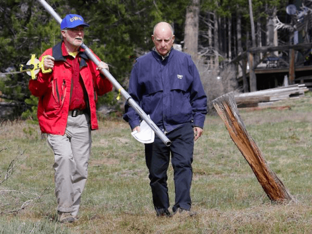 Jerry Brown at Sierra Snow Pack (Rich Pedroncelli / Associated Press)