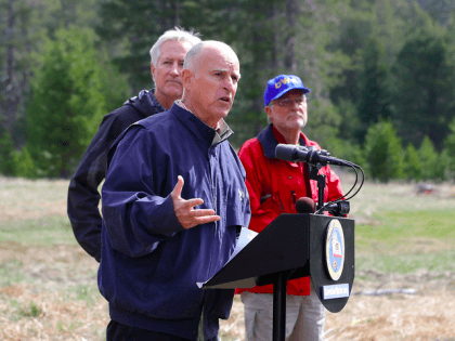 Jerry Brown in Sierras (AP)