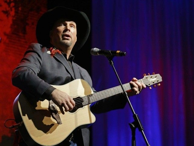garth-brooks-AP