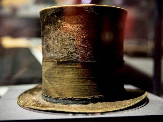lincoln-hat-AP