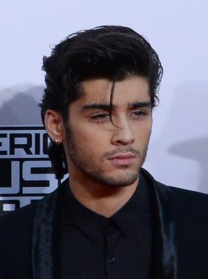 Zayn Malik sports new buzzcut, nose ring at Asian Awards ceremony in London