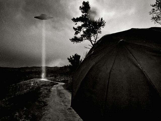 Alien Abduction (Paulo Alegria / Flickr / CC / Cropped)