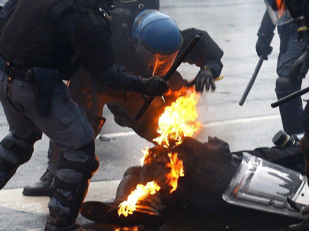 Rioting 5