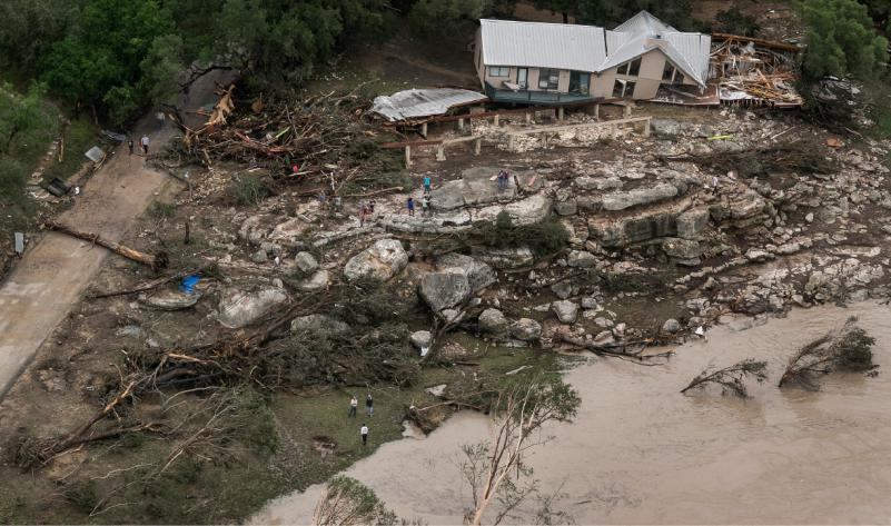 texas family swept away in flash flood