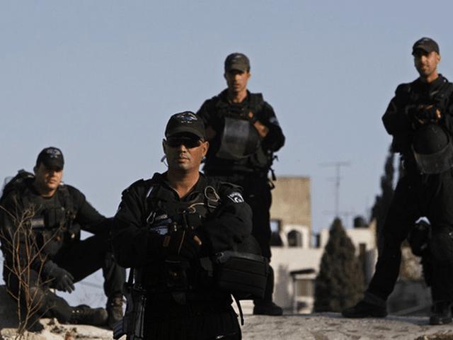 Israeli security guards (Reuters)