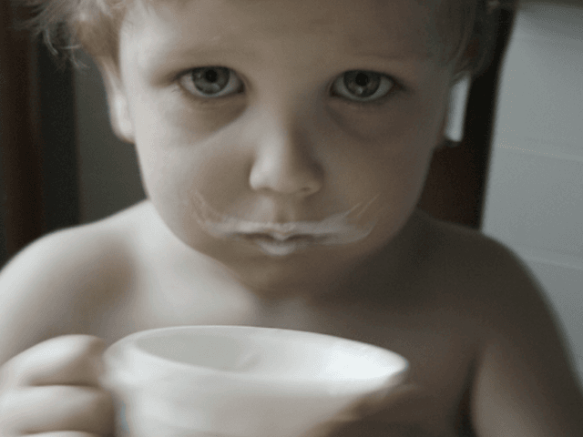 Milk Mustache (Davidoff A / Flickr / CC / Cropped)