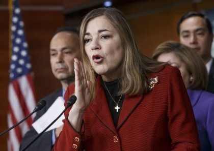 Luis Gutierrez, Loretta Sanchez