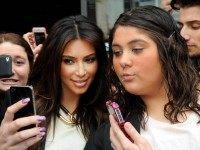 kim-kardashian-selfie-AP