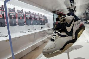 Nike announces possible U.S. expansion ahead of Obama visit
