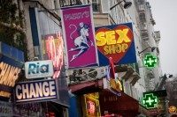FRANCE-ILLUSTRATION-SEX-SHOP-PIGALLE