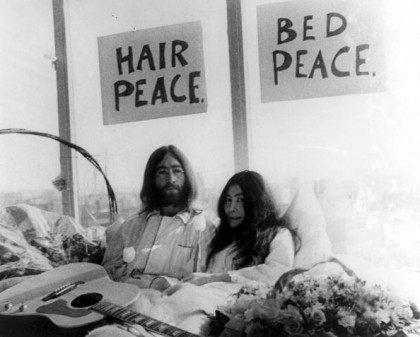 Photo of Yoko ONO and John LENNON