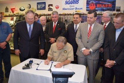 Abbott signs Texas Open Carry into Law