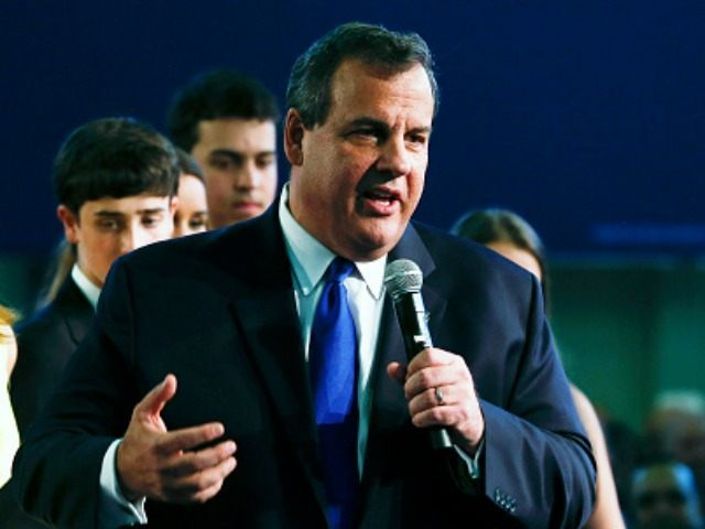 New Jersey Gov. Chris Christie, joined by his family, announces his candidacy for the Republican presidential nomination at Livingston High School on June 30, 2015 in Livingston Twp., New Jersey. Christie made the announcement in the gymnasium of his alma mater, becoming the 14th candidate to join the Republican field.