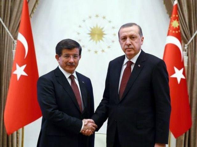 Erdogan-Davutoğlu-afp