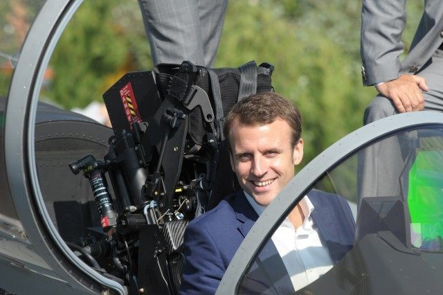 FRANCE-TRANSPORT-AVIATION-AIRSHOW-MACRON