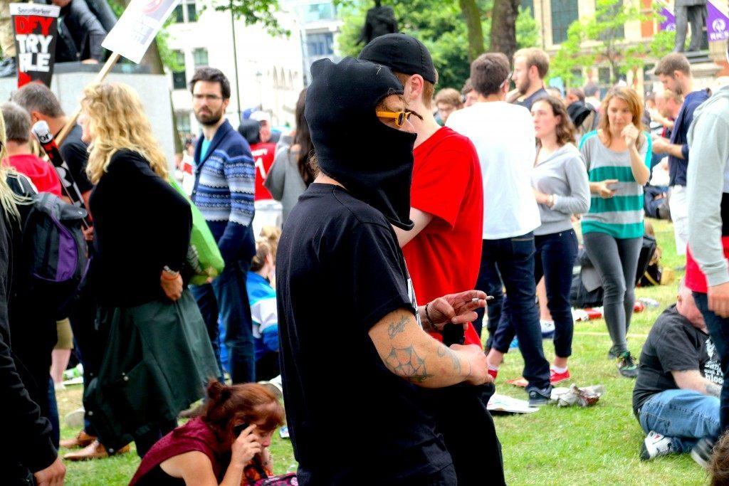 A balaclava clad protester (Raheem Kassam/Breitbart London)
