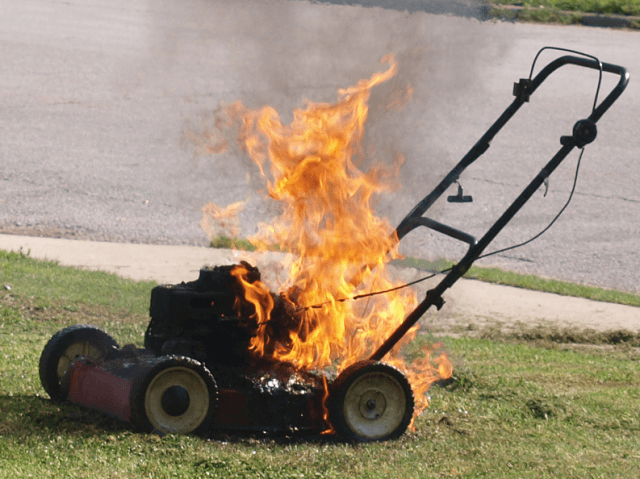Lawnmower fire (Frank Boston / Flickr / CC / Cropped)